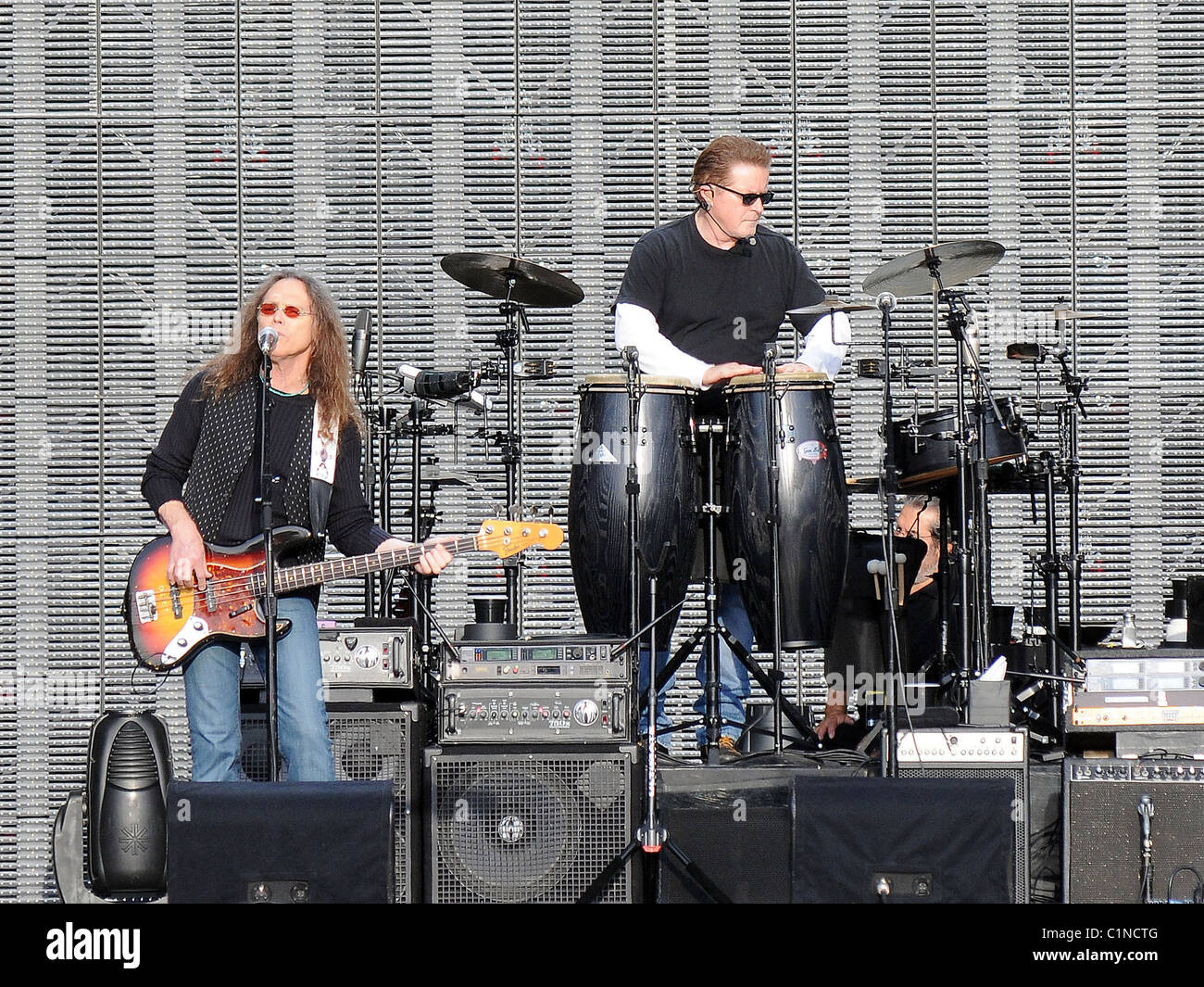Timothy B  Schmit, Don Henley The Eagles performing in