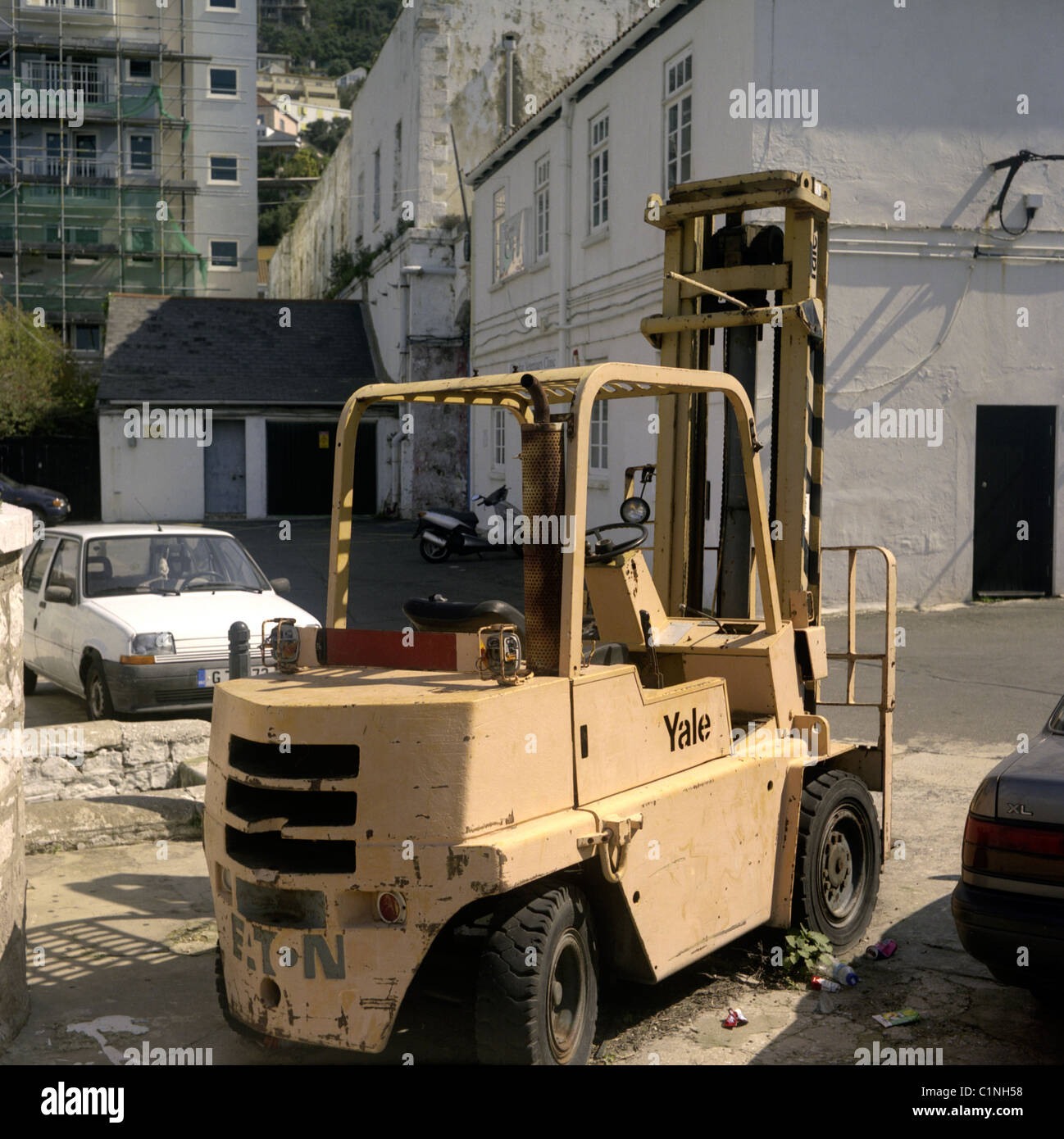 Yale Forklift Stock Photos & Yale Forklift Stock Images - Alamy