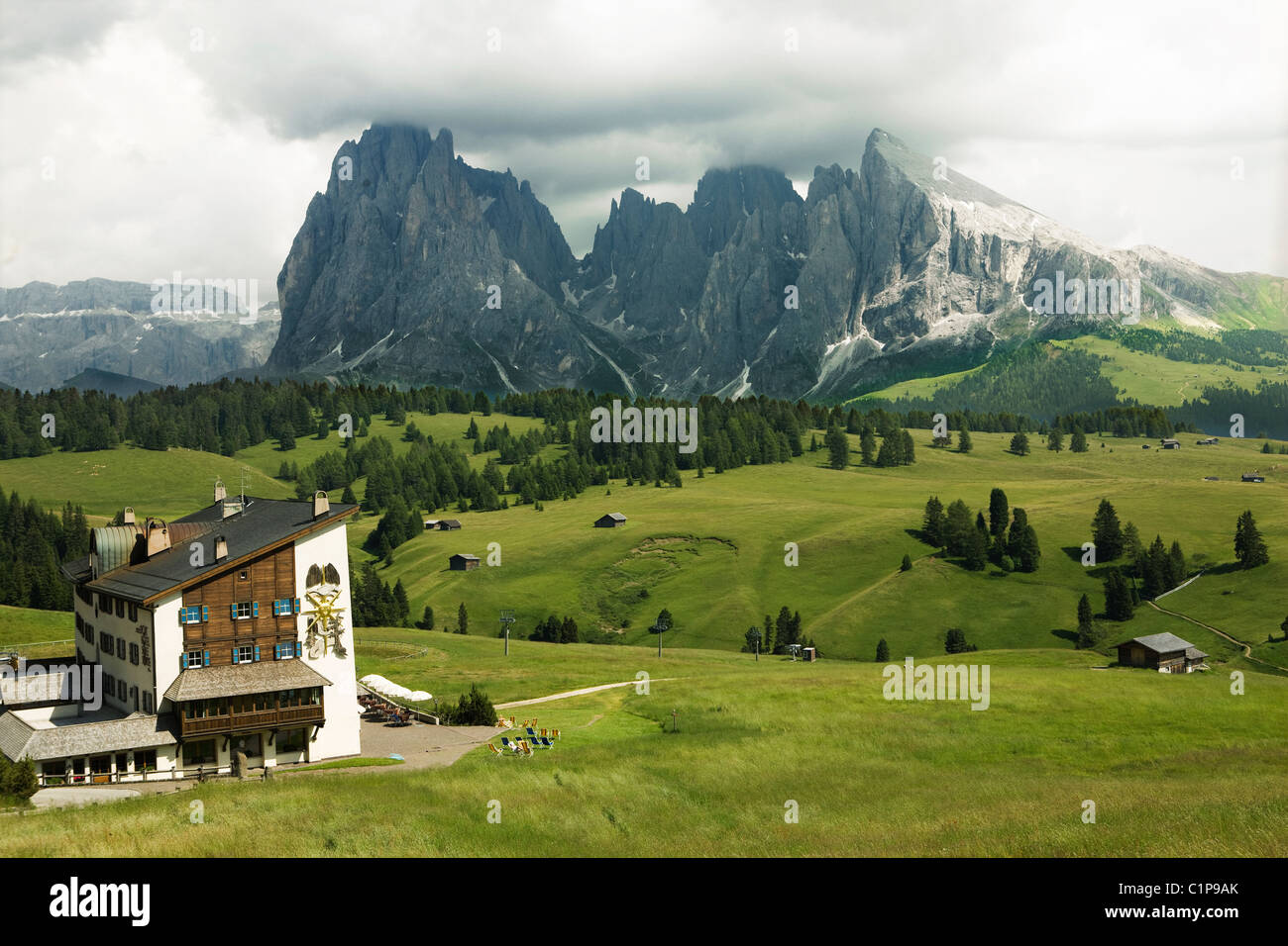 Mountain hostel in valley - Stock Image