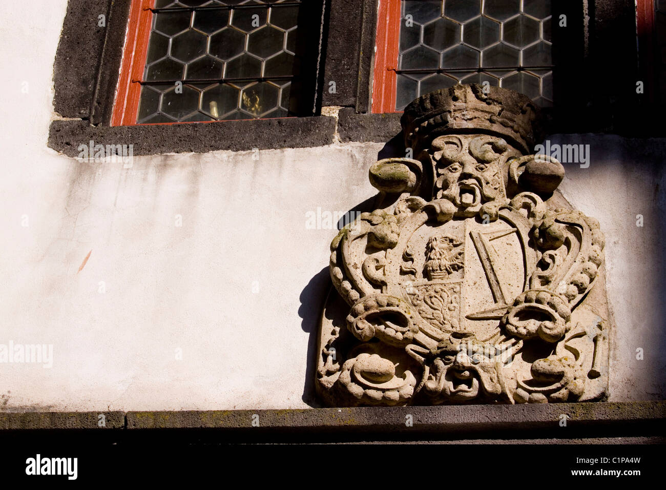 Germany, Burg Eltz, coat of arms on castle facade - Stock Image