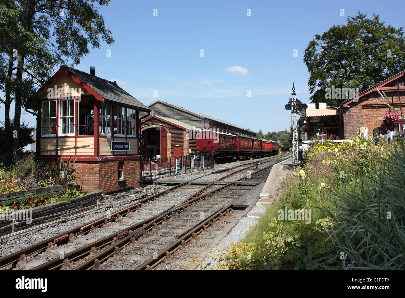 England, Kent, Tenterden, East Sussex Railway station and track - Stock Image