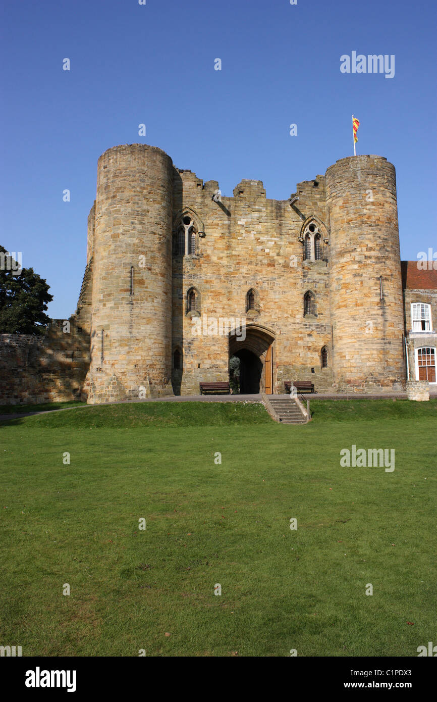 England, Kent, Tonbridge Castle, twin towers and entrance - Stock Image