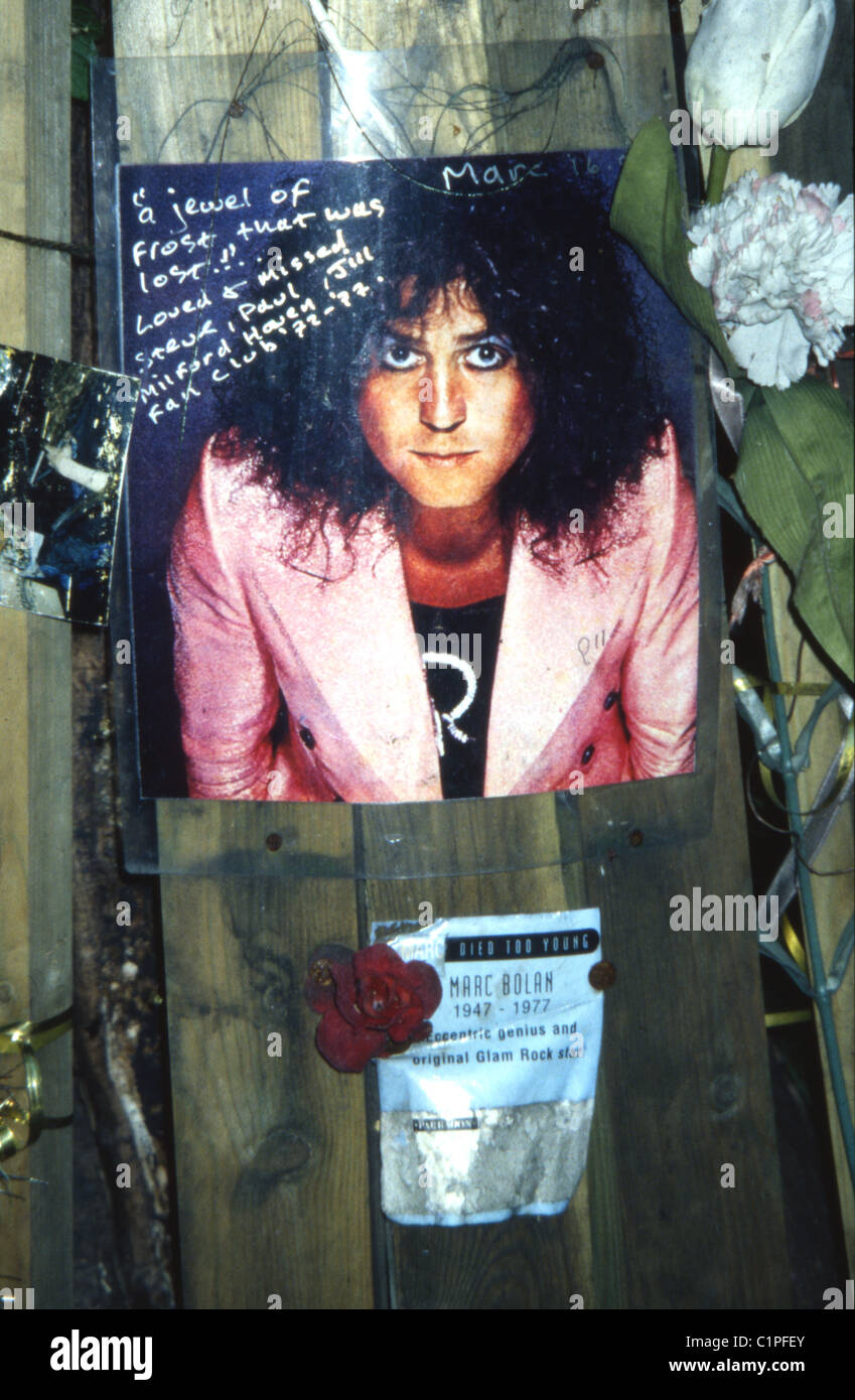 Tributes to famous 1970 pop icon, Marc Bolan who tragically in a car accident in Barnes, London. - Stock Image