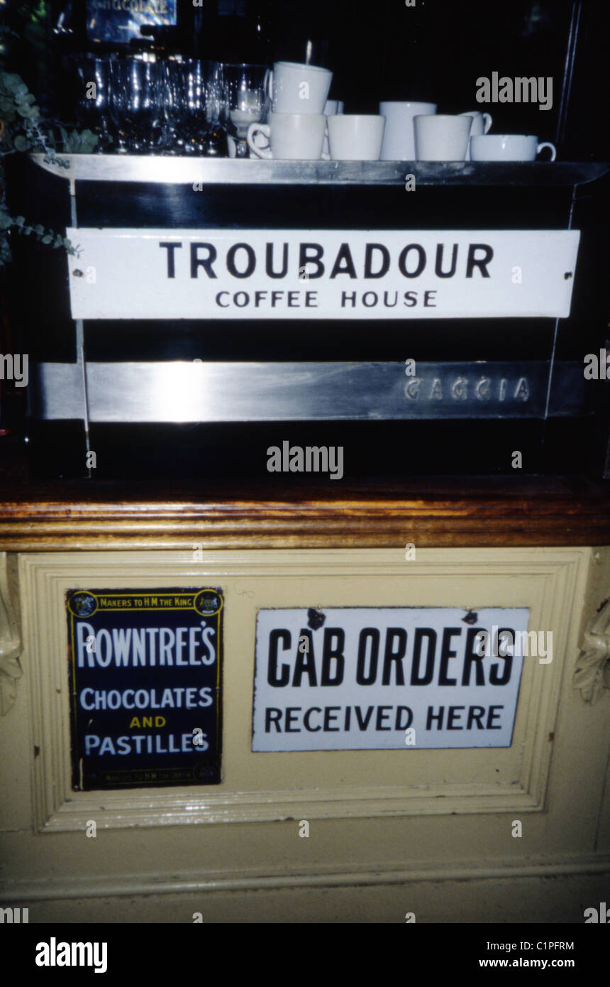 Interior picture of The Troubadour, Old Brompton Rd. Famous 1950s ...