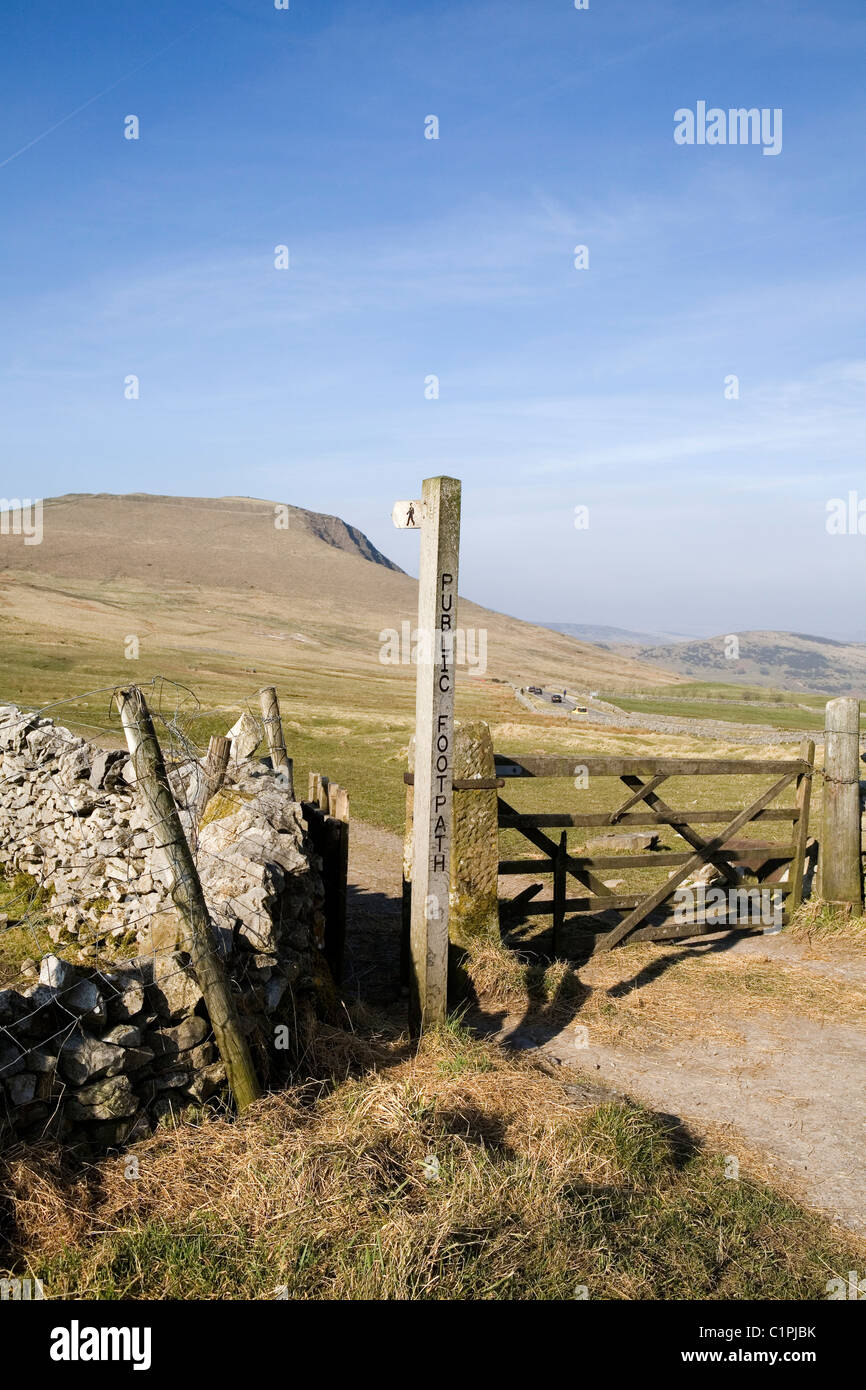 England, Derbyshire, Peak District National Park, Mam Tor seen from gate - Stock Image