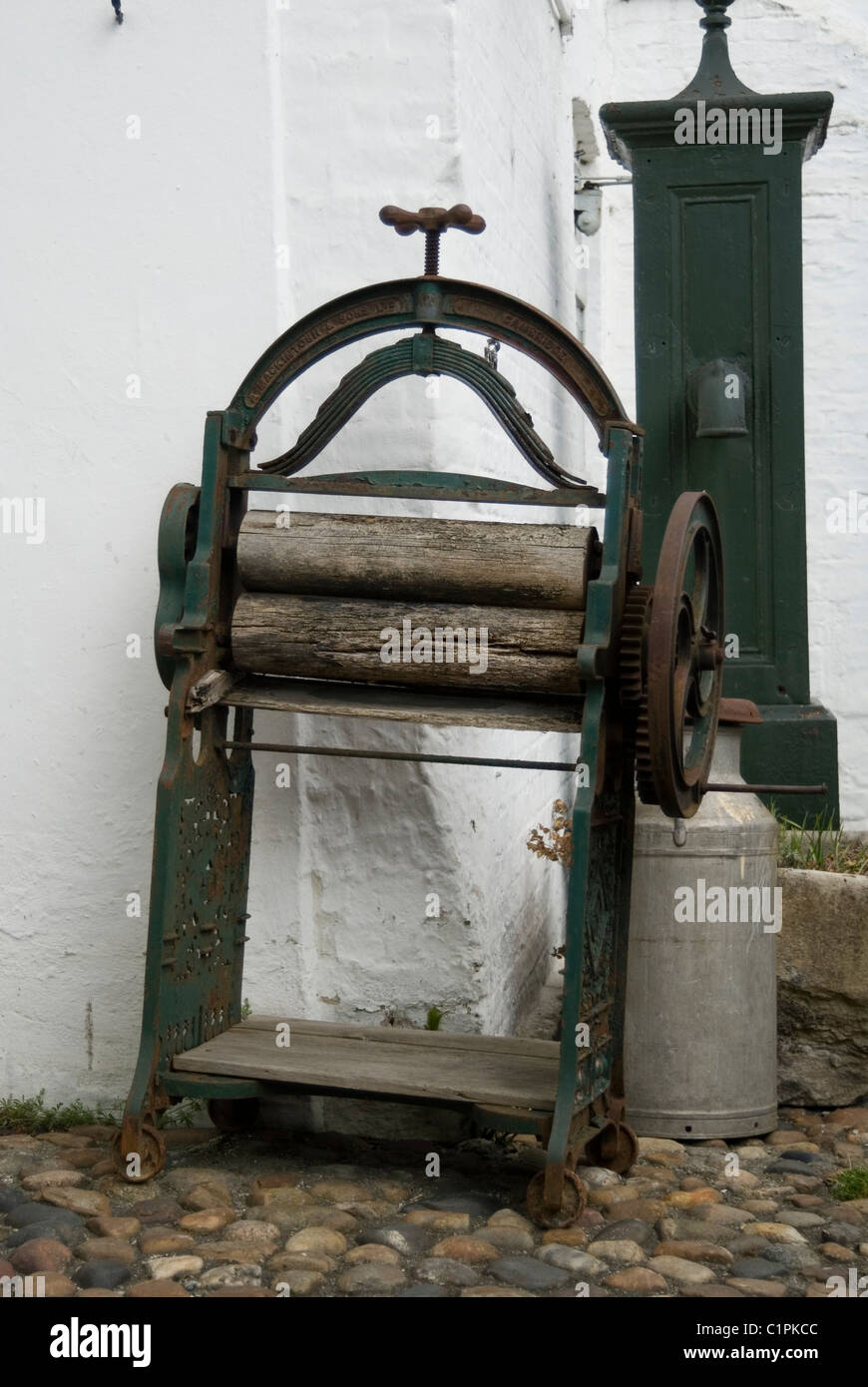 England, Cambridge, laundry mangle - Stock Image