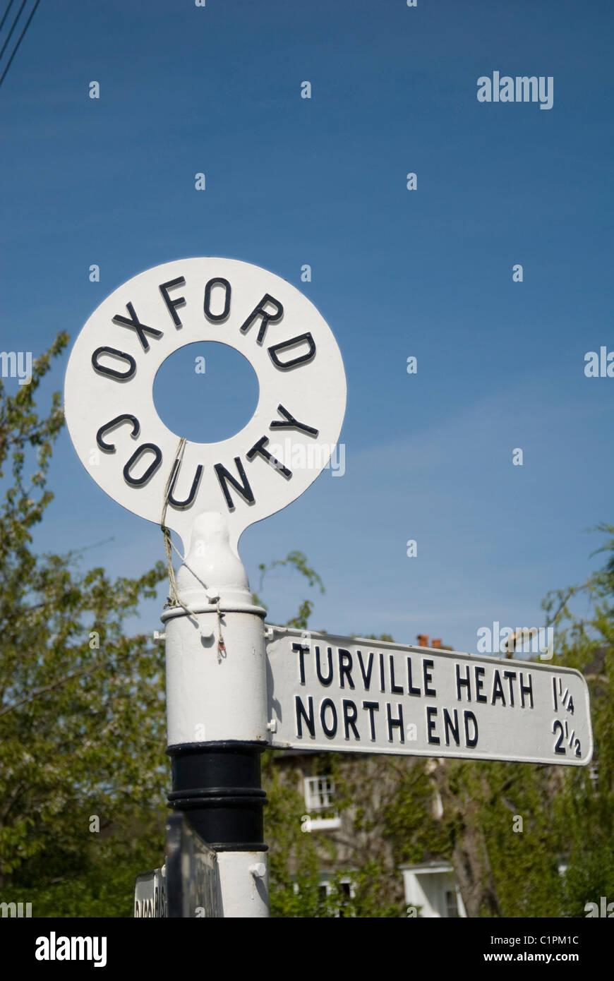 UK, England, Chilterns, road sign - Stock Image
