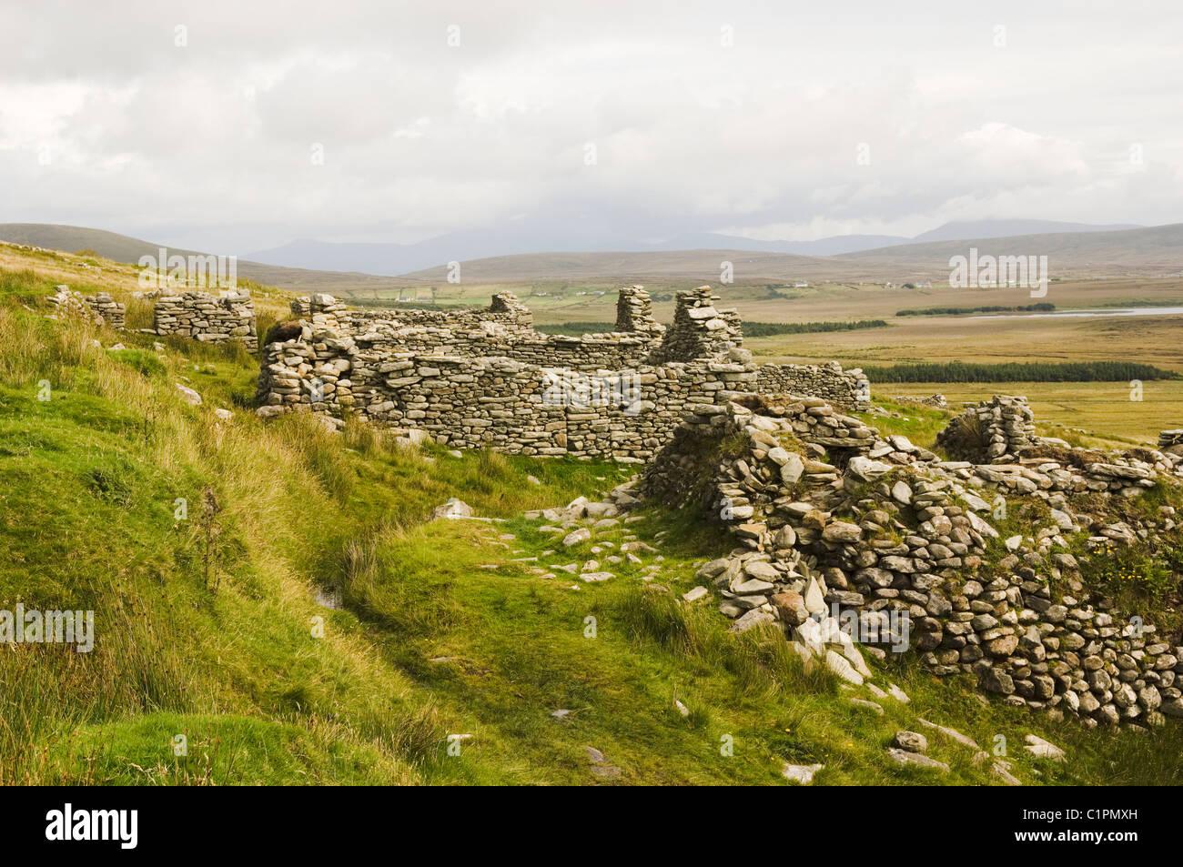 Republic of Ireland, County Mayo, Achill Island, Slievemore, old ruins - Stock Image