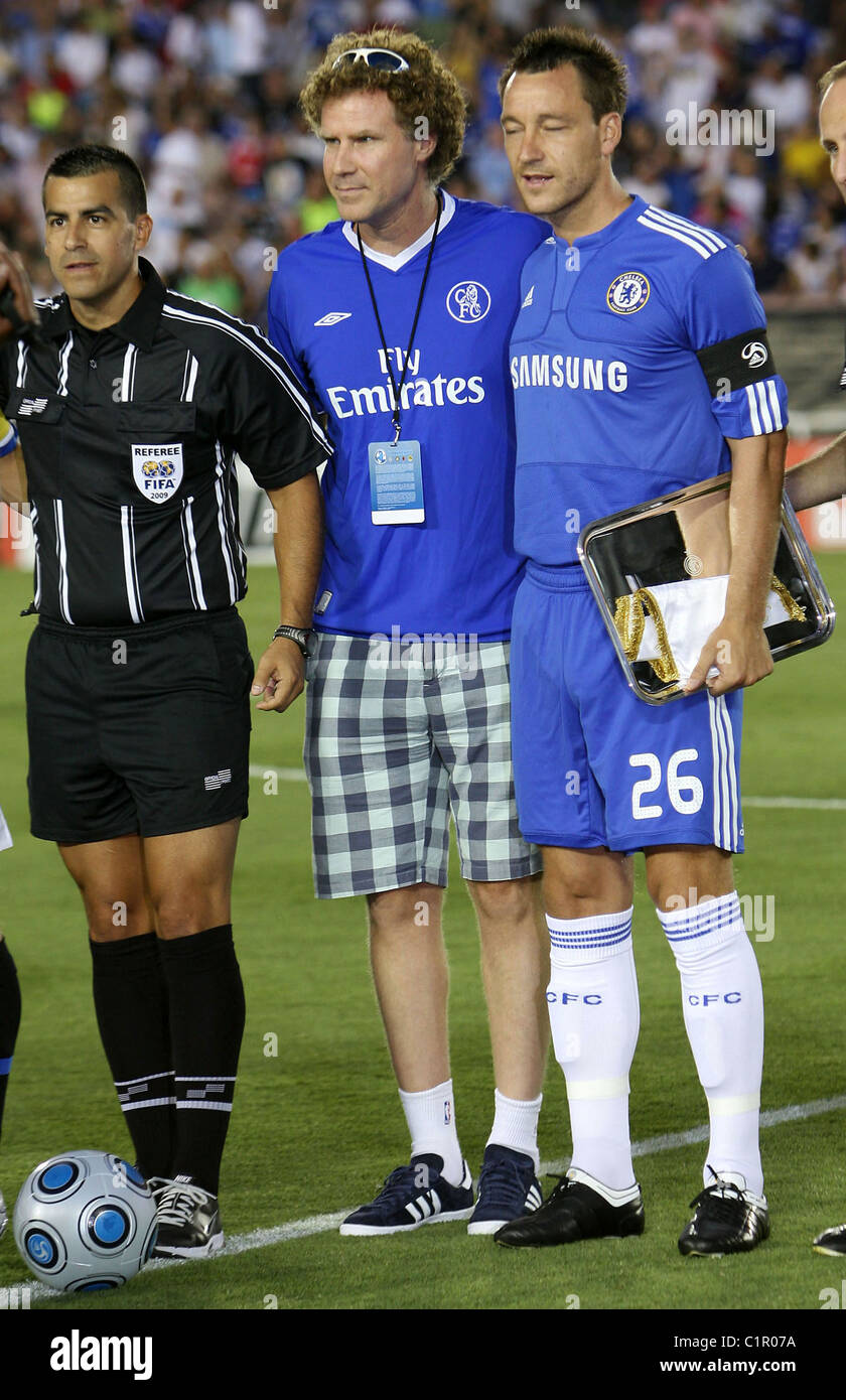 ¿Cuánto mide Will Ferrell? - Altura - Real height Will-ferrell-and-john-terry-chelsea-v-inter-milan-at-the-rose-bowl-C1R07A