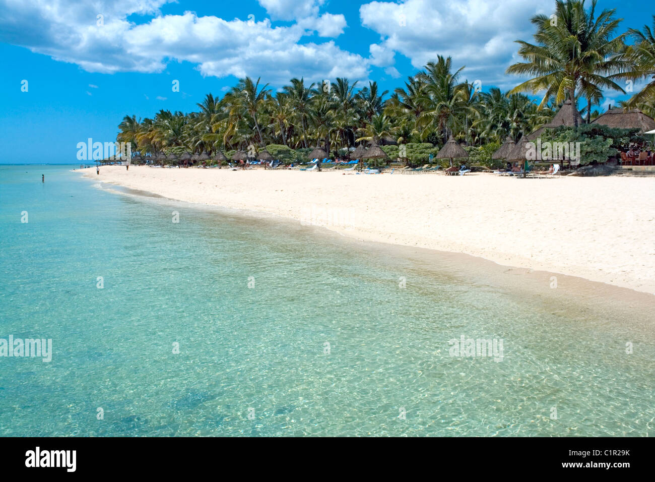 Beach in front of La Pirogue hotel at Wolmar on the west coast of Mauritius - Stock Image