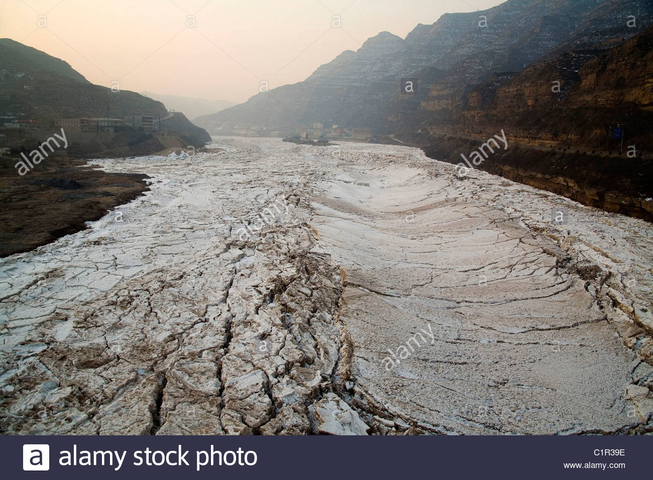Yellow River, Huang He, dried riverbed, Shaanxi Province, China - Stock Image