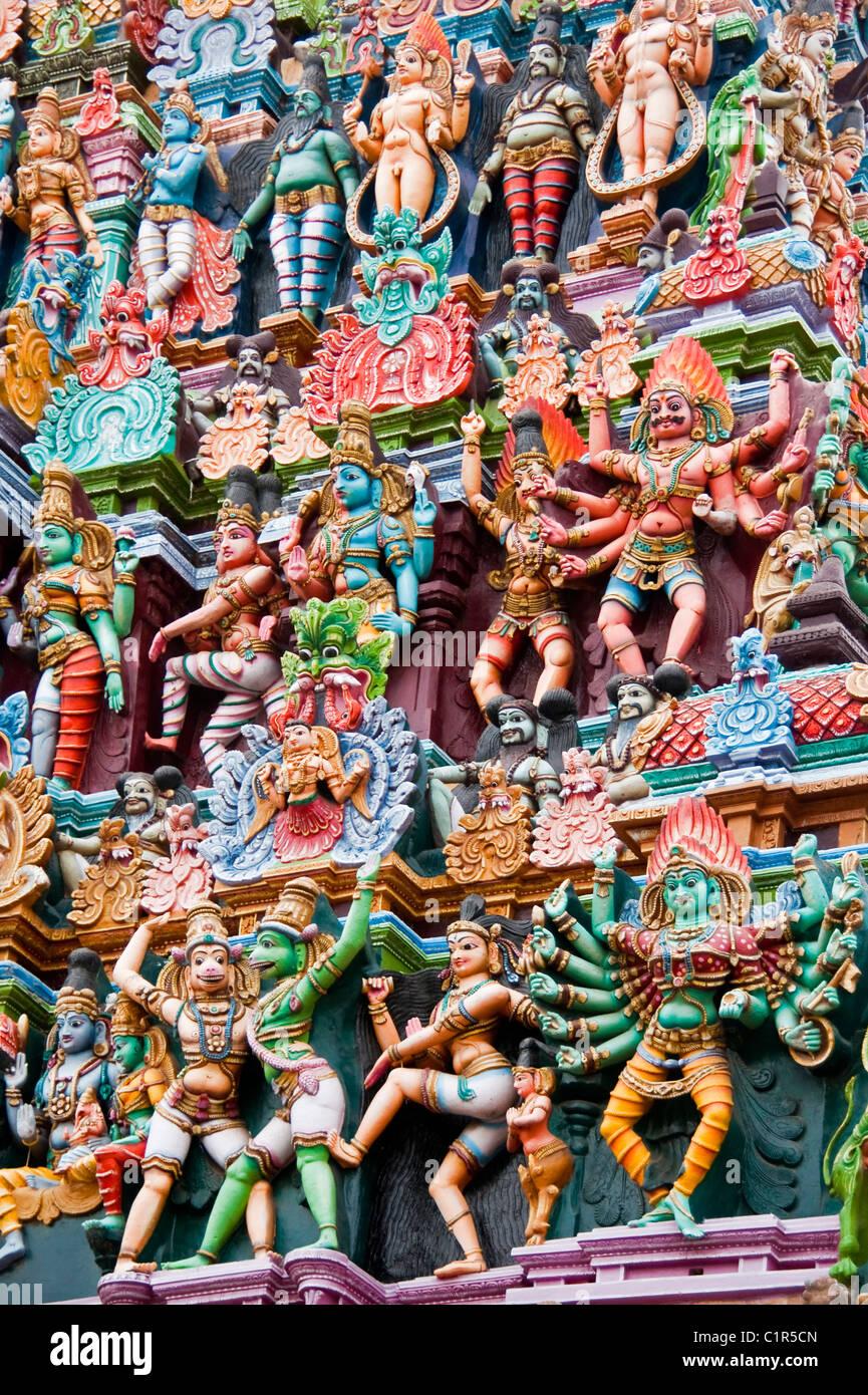 Detail of figures of Hindu mythology on Sri Meenakshi Sundareswarar Temple in Madurai - Stock Image