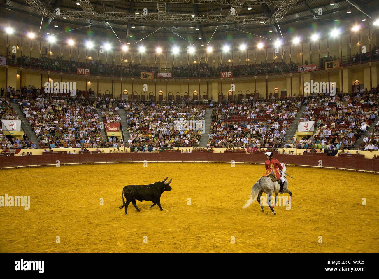 Portuguese style bullfighting at the Campo Pequeno in Lisbon, Portugal. - Stock Image