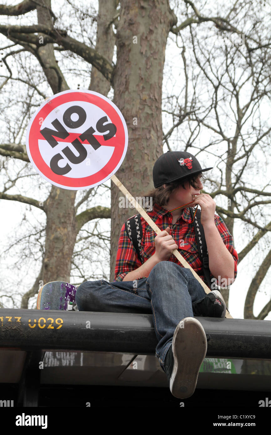 UK. DEMONSTRATION AGAINST GOVERNMENT CUTS IN LONDON - Stock Image