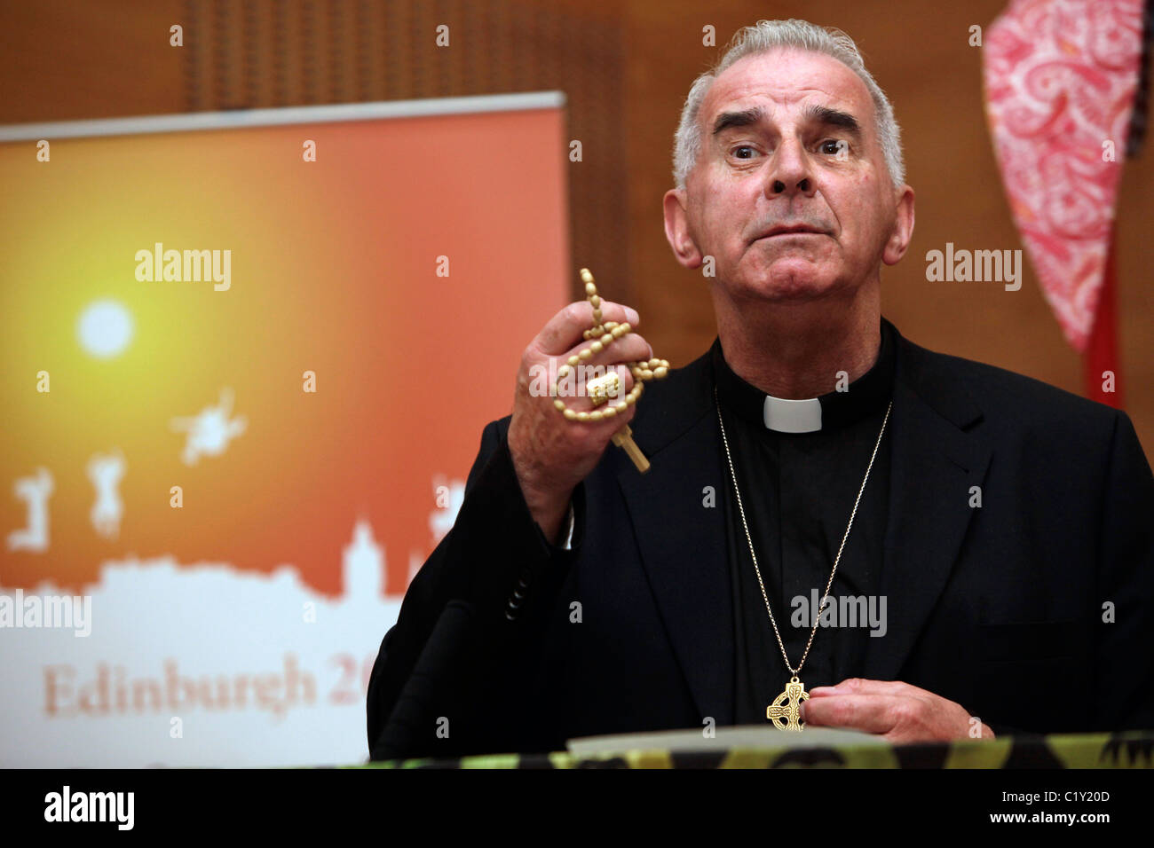 Cardinal Keith O'Brien of the Roman Catholic Church welcomes the delegates to the Edinburgh 2010 conference - Stock Image