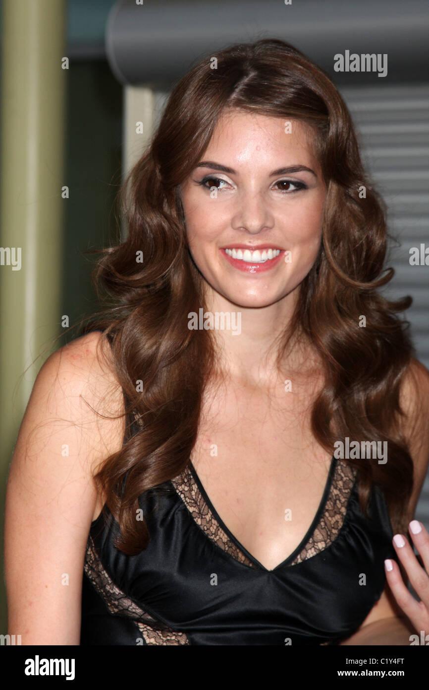 Nicole Moore (II) Nude Photos 29