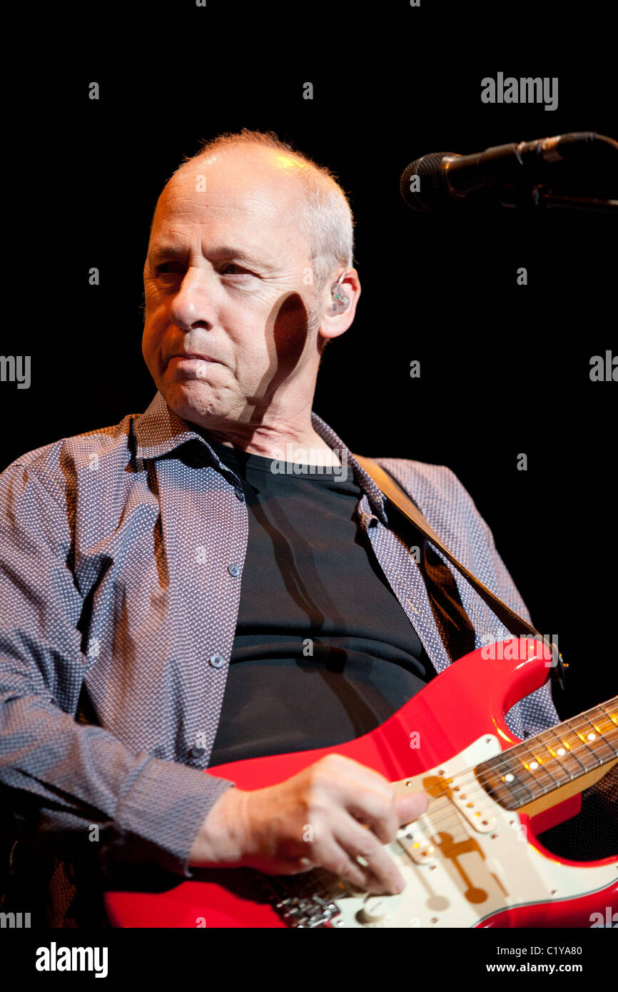 Mark Knopfler Stock Photos Amp Mark Knopfler Stock Images