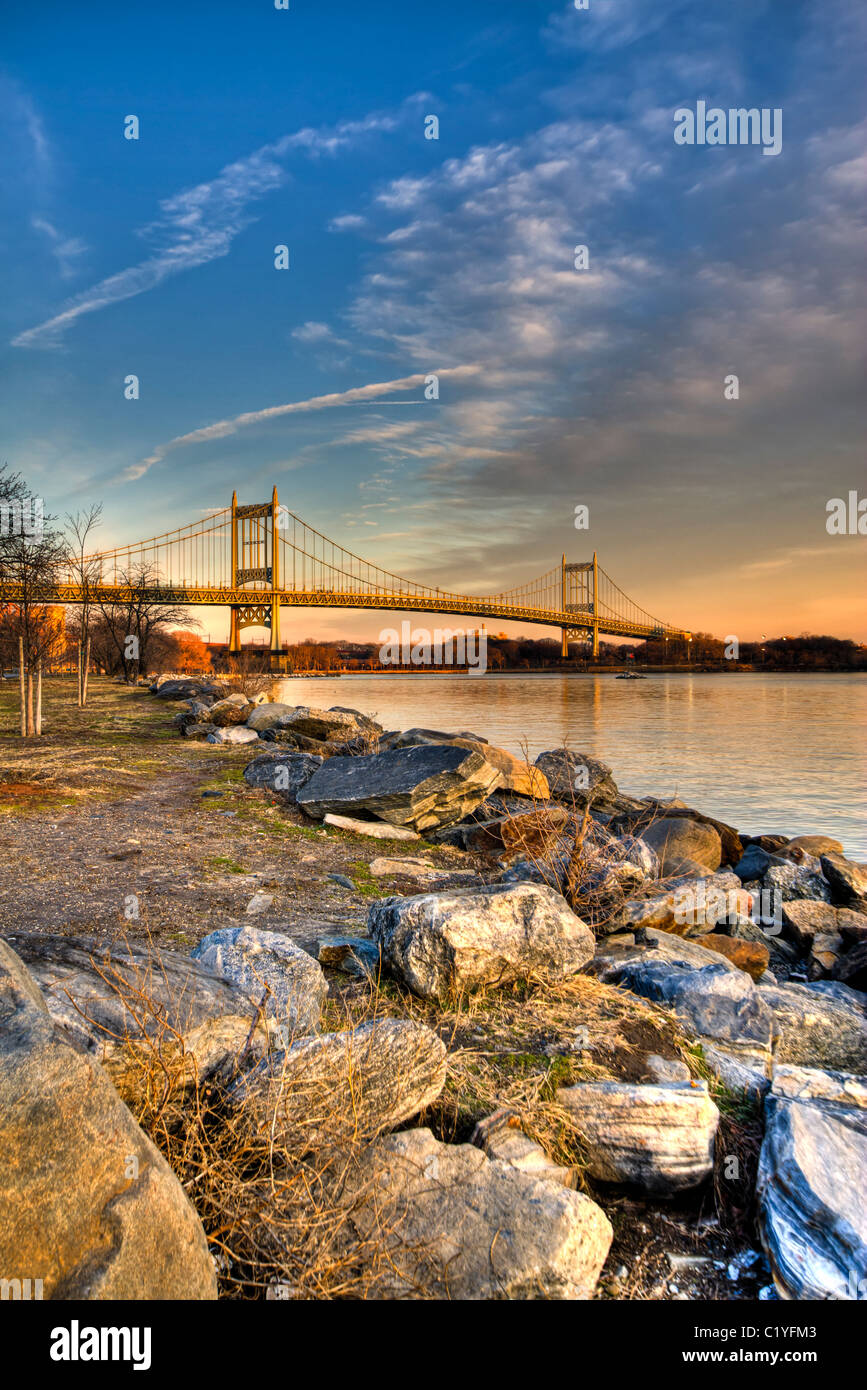 RFK Bridge at Sunset from Ward's Island in the East River - Stock Image