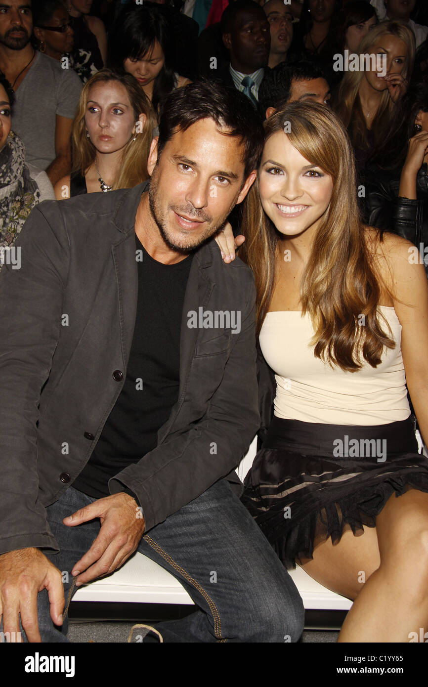 how is justin bieber dating right now: chrishell stause and ricky goldin dating
