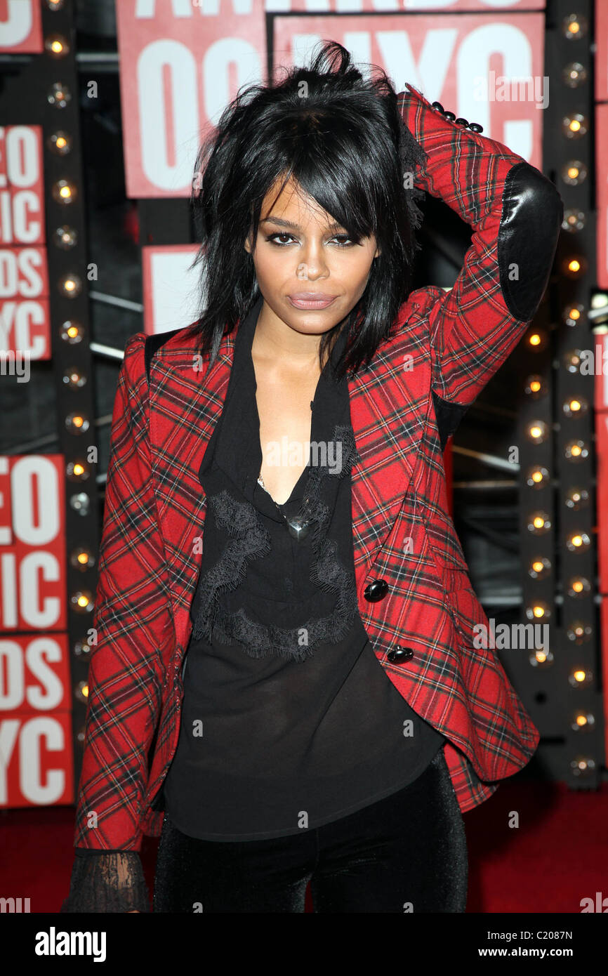picture Fefe Dobson