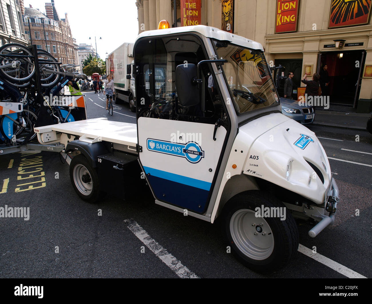 Electric maintenance vehicle to transport bicycles for the Barclays TFL bicycle scheme - Stock Image