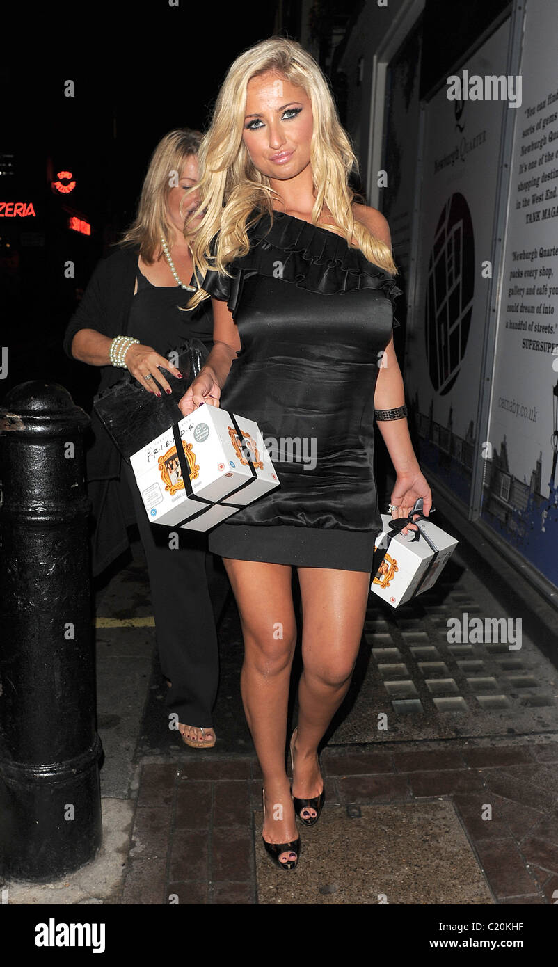 Chantelle Houghton Out And About In Covent Garden Holding Two Box