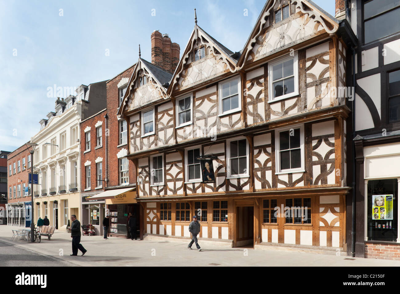 Robert Raikes House, once the home of the founder of the Sunday School movement, now a pub, in Southgate Street, - Stock Image