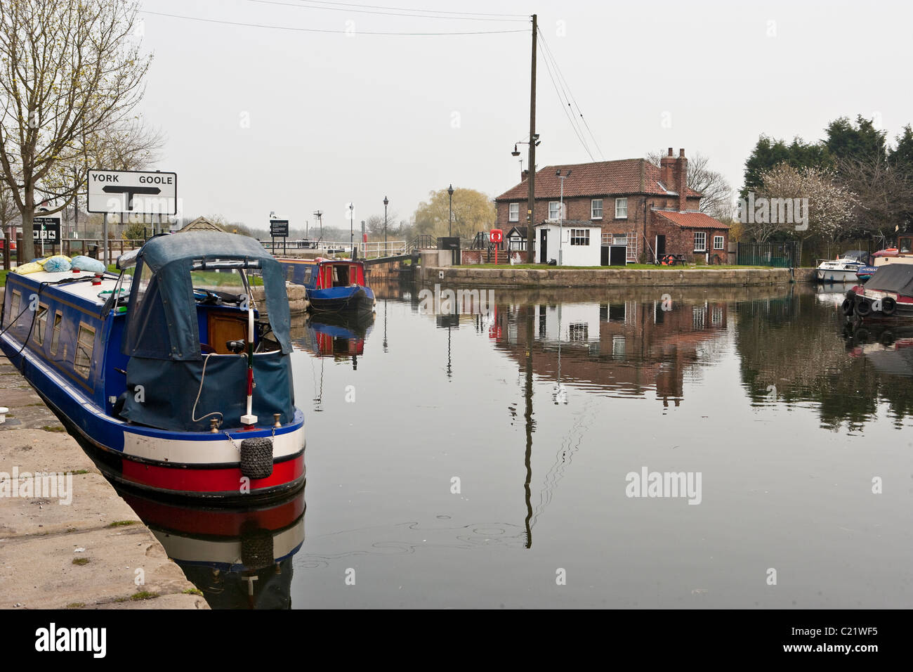 Selby Lock at junction River Ouse, Selby, North Yorkshire. - Stock Image