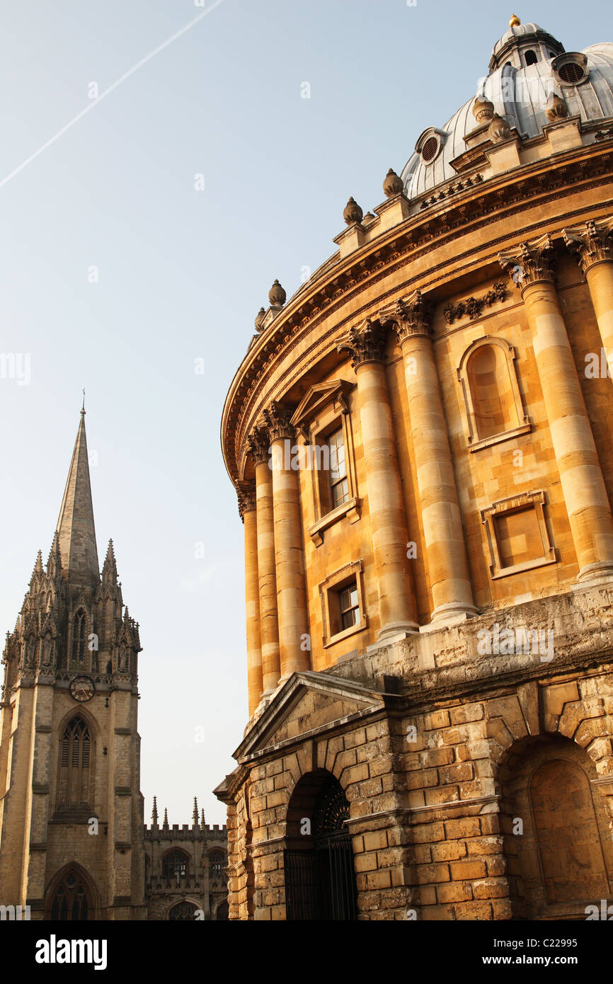'Radcliffe Camera' and University Church of 'St Mary' the Virgin, Oxford, England, UK - Stock Image