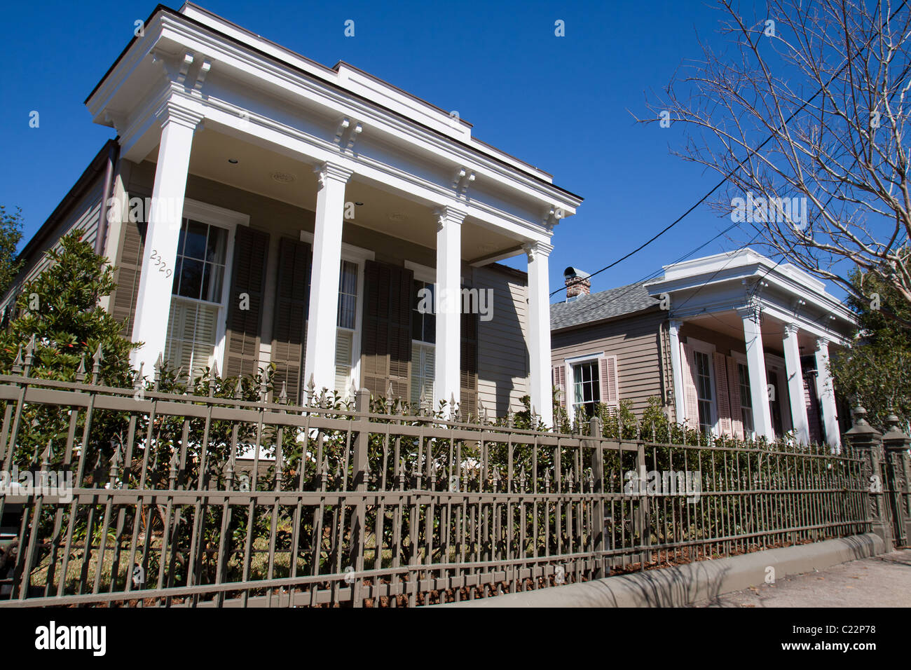 new orleans houses garden district stock photos new orleans houses garden district stock. Black Bedroom Furniture Sets. Home Design Ideas