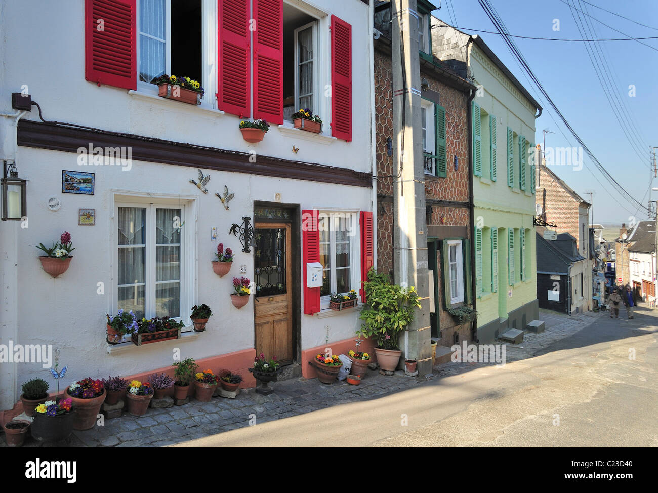 Street with old houses in the district of the sailors at Saint-Valery-sur-Somme, Bay of the Somme, Picardy, France - Stock Image