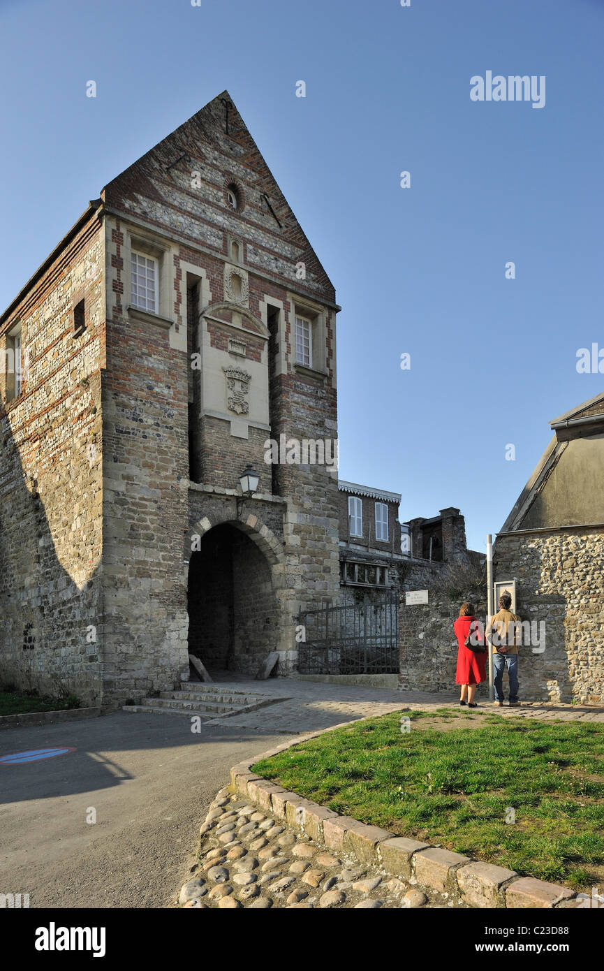 The Nevers Gate / Porte de Nevers at Saint-Valery-sur-Somme, Bay of the Somme, Picardy, France - Stock Image