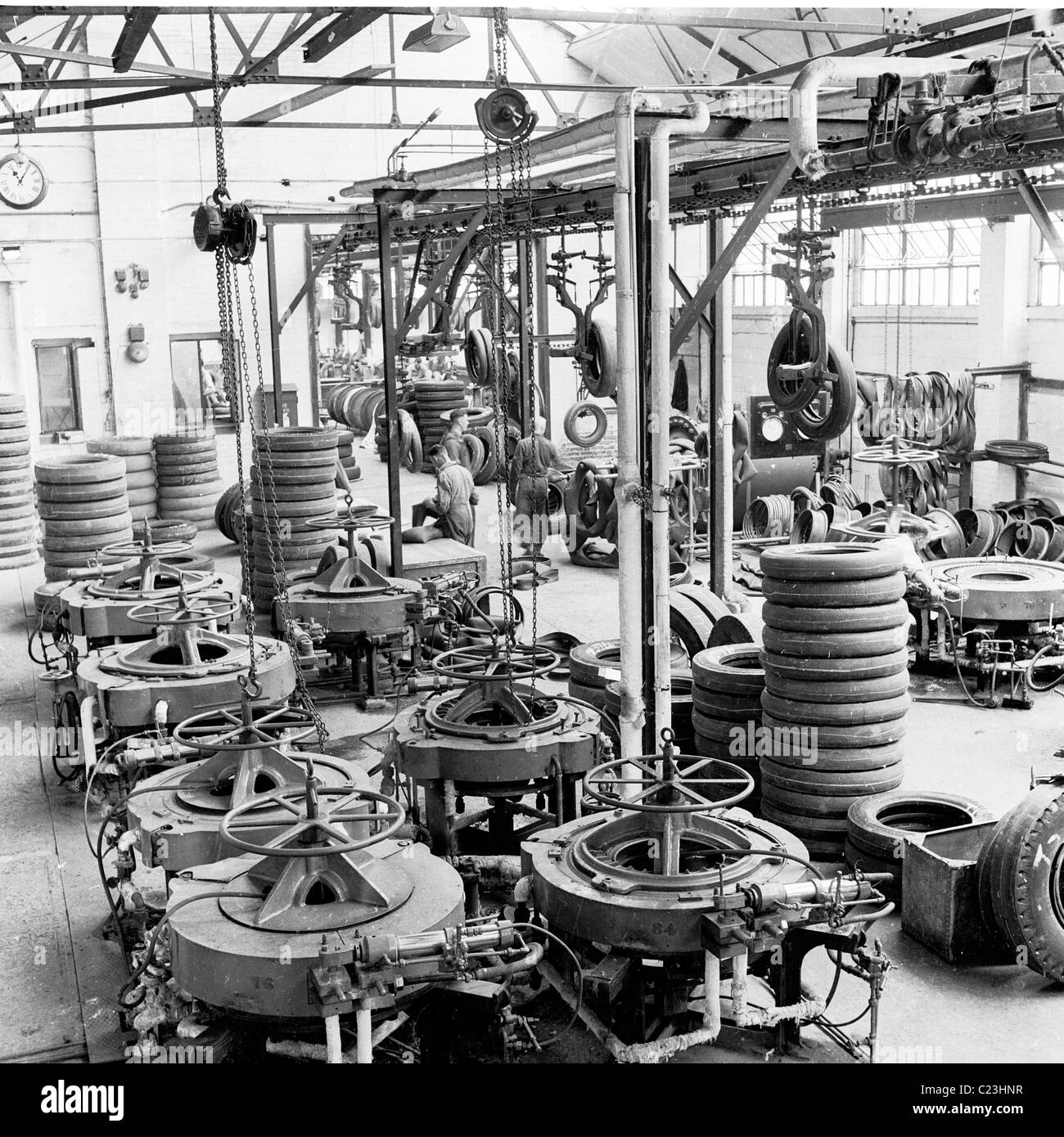 England, 1950s. Inside view of the Associated Tyre Services (ATS) factory, Basingstoke, England. - Stock Image