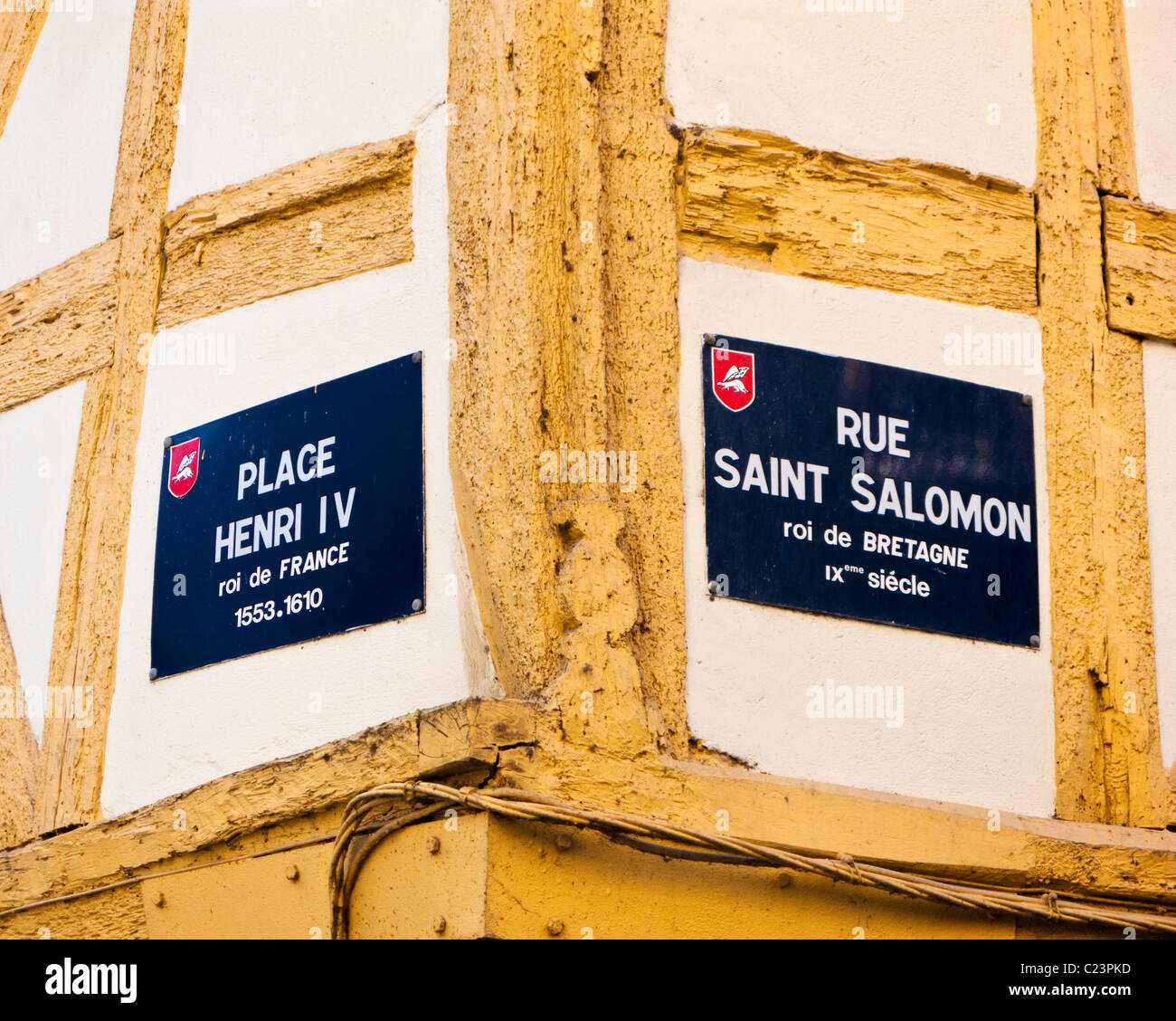 Place Henri IV and Rue Saint Solomon street signs in Vannes, Morbihan, Brittany, France, Europe - Stock Image