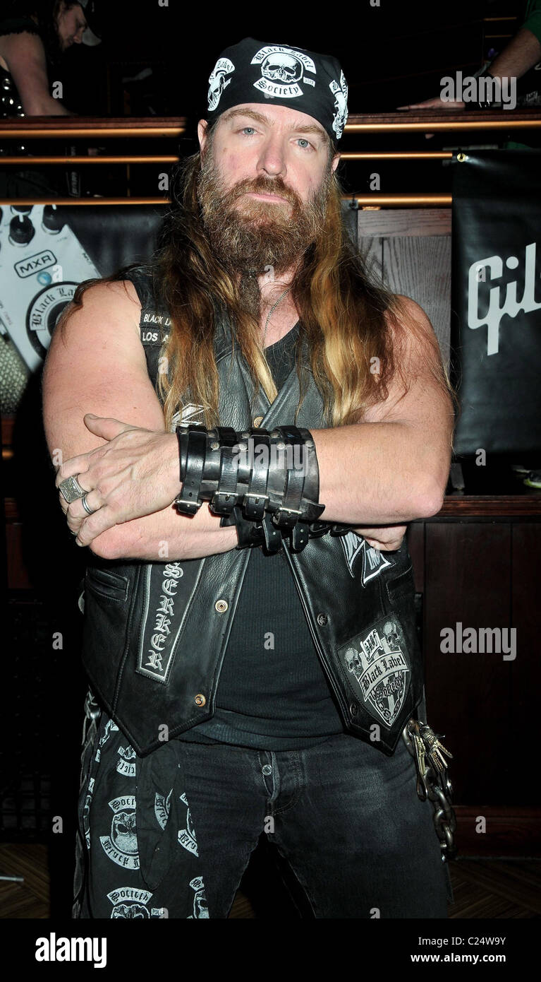 zakk wylde hellfire halloween bash at the hard rock cafe new york