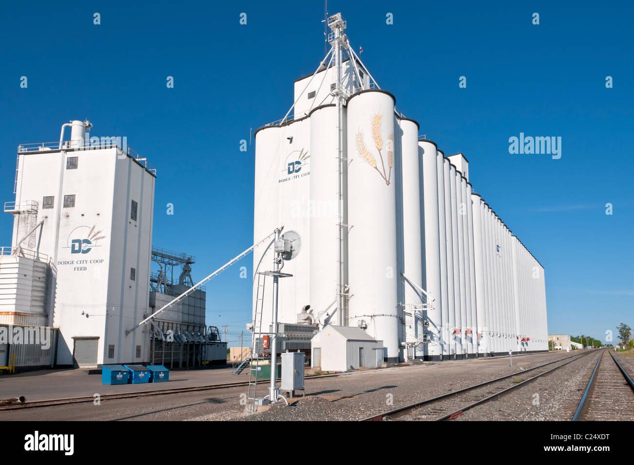 Kansas, Dodge City Cooperative grain elevator - Stock Image