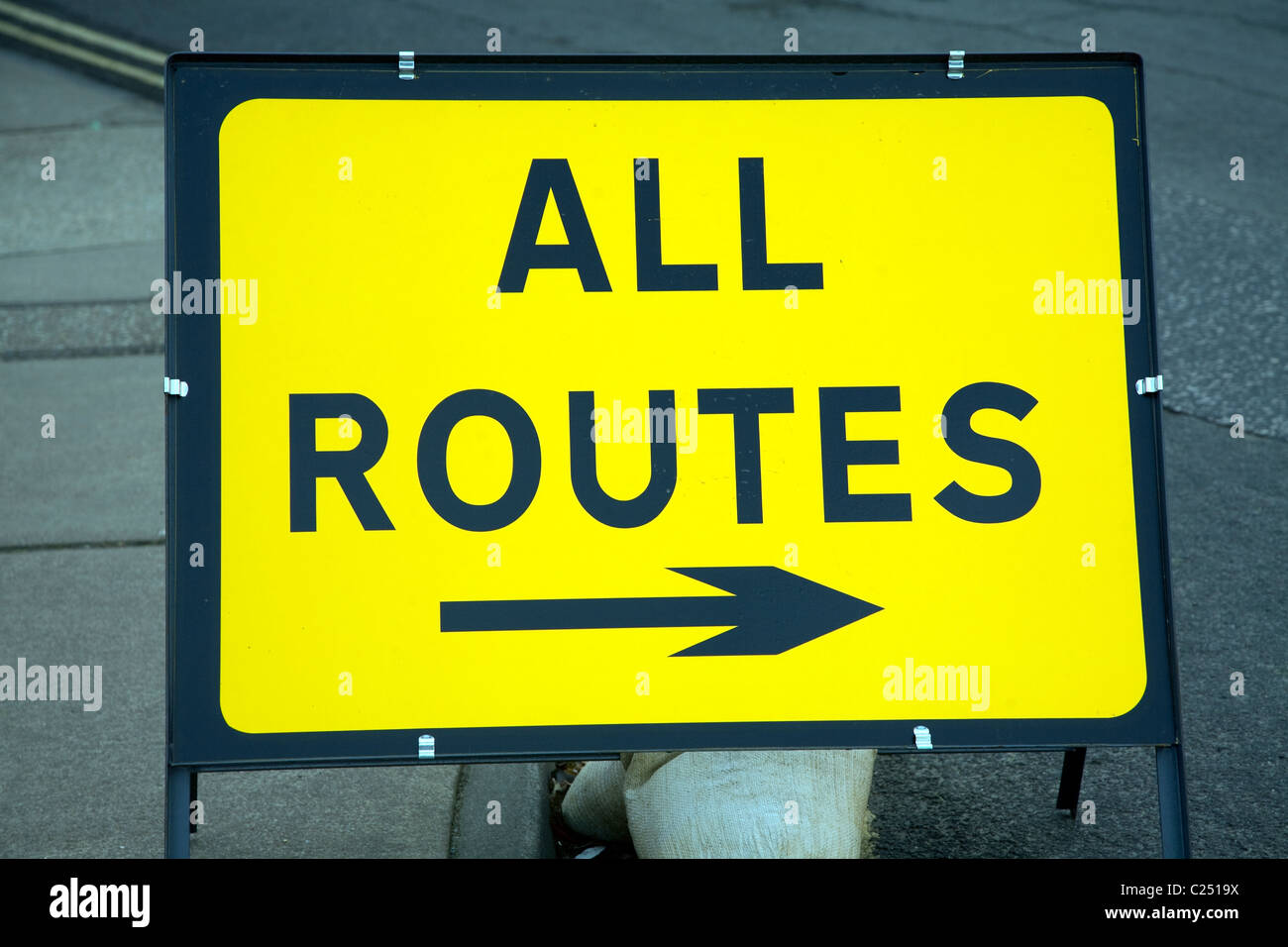 Diversion All Routes arrow sign direction pointer - Stock Image