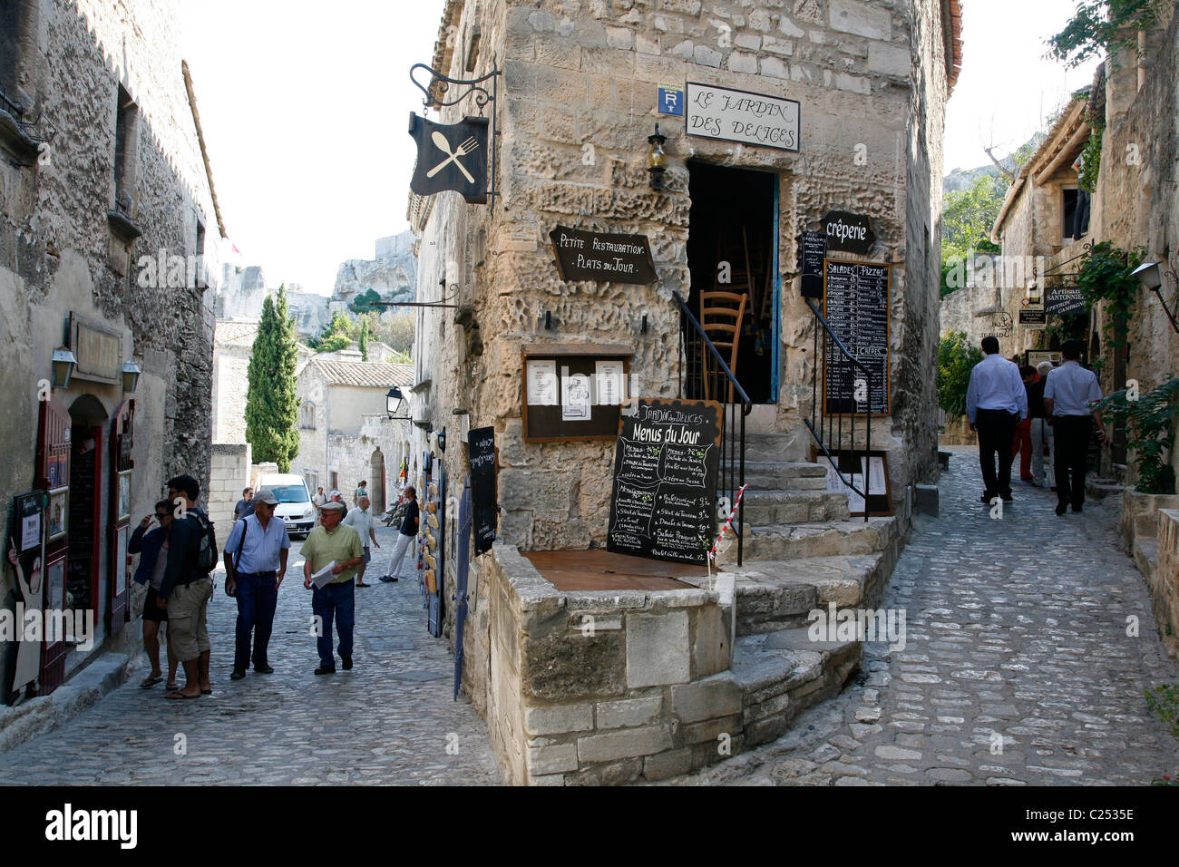 Rue du trencat the main street in les baux de provence - Office du tourisme des baux de provence ...