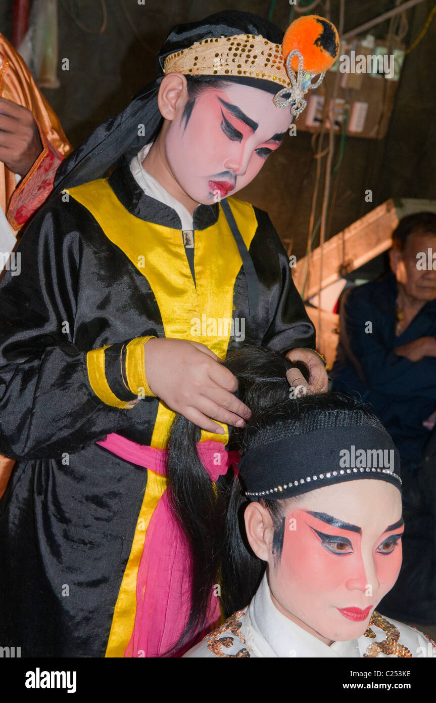 Chinese opera performers backstage in Bangkok, Thailand - Stock Image
