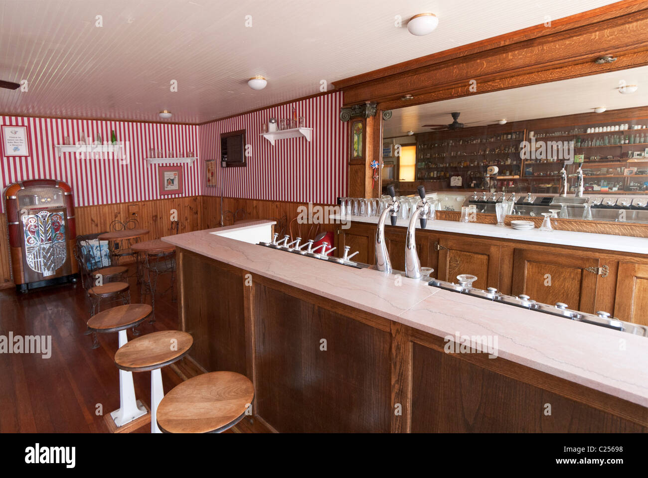 Colorado, Burlington, Old Town Museum, old time soda fountain - Stock Image