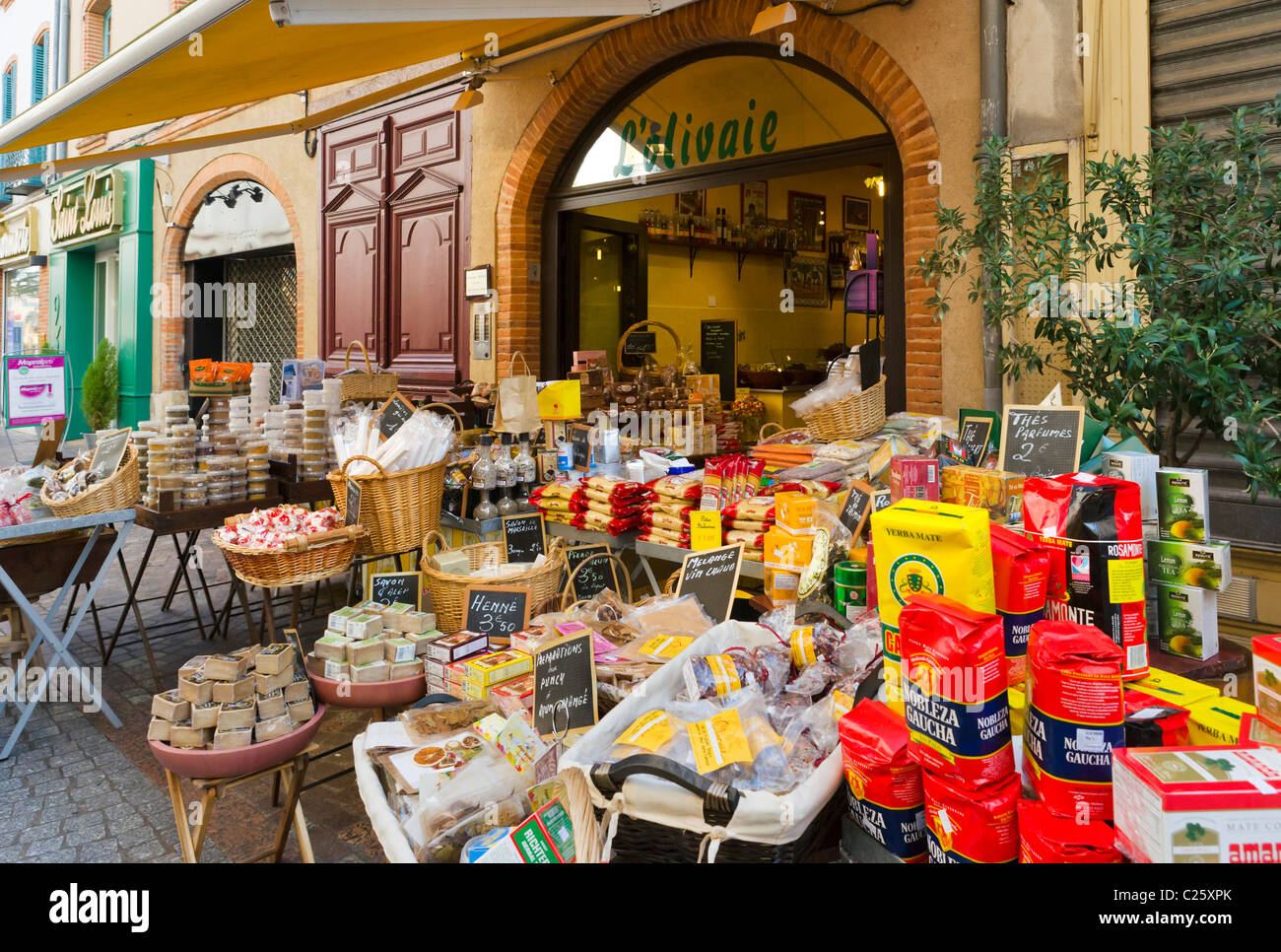 Shop in the old town, Montauban, The Lot, France - Stock Image