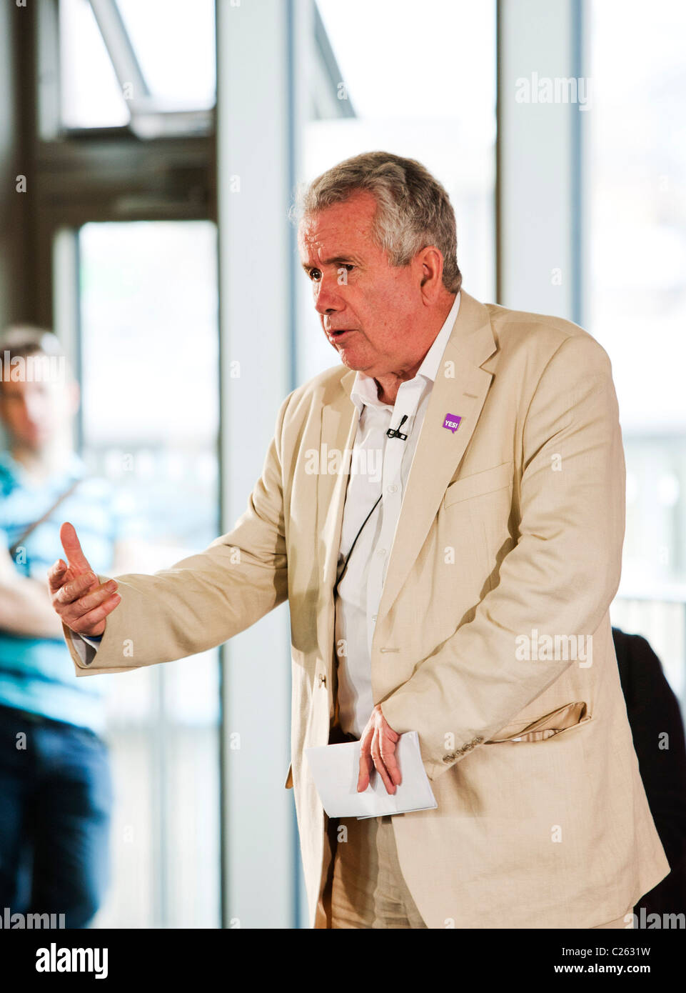 Martin Bell gives a speech to show his support for the YES! to Fairer Votes campaign launched in London. - Stock Image