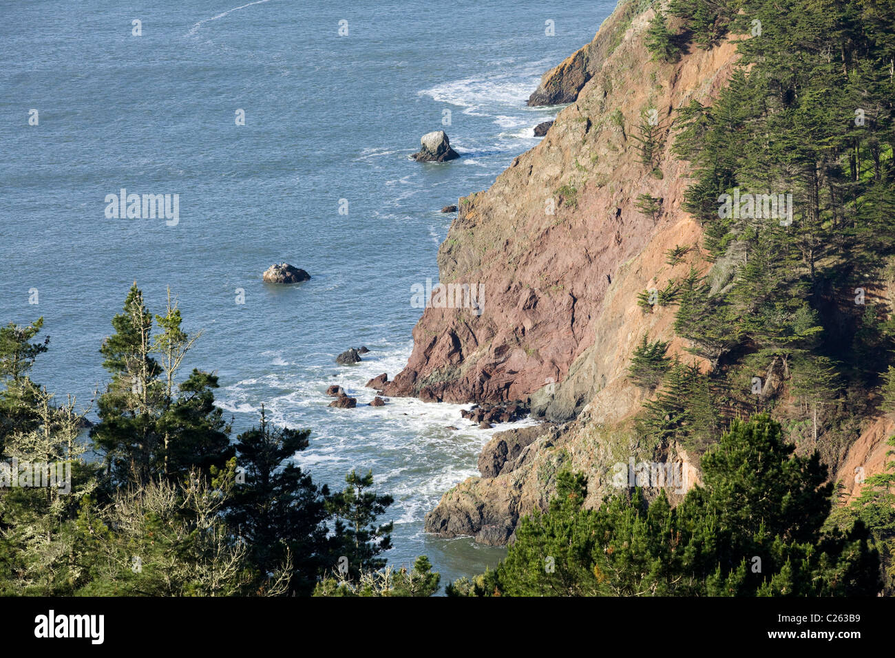 Steep Californian coastline - Stock Image