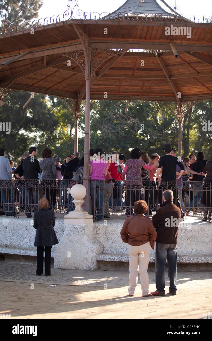 Swing dancers in Ciudadela or Ciutatdella park, Barcelona, Spain - Stock Image