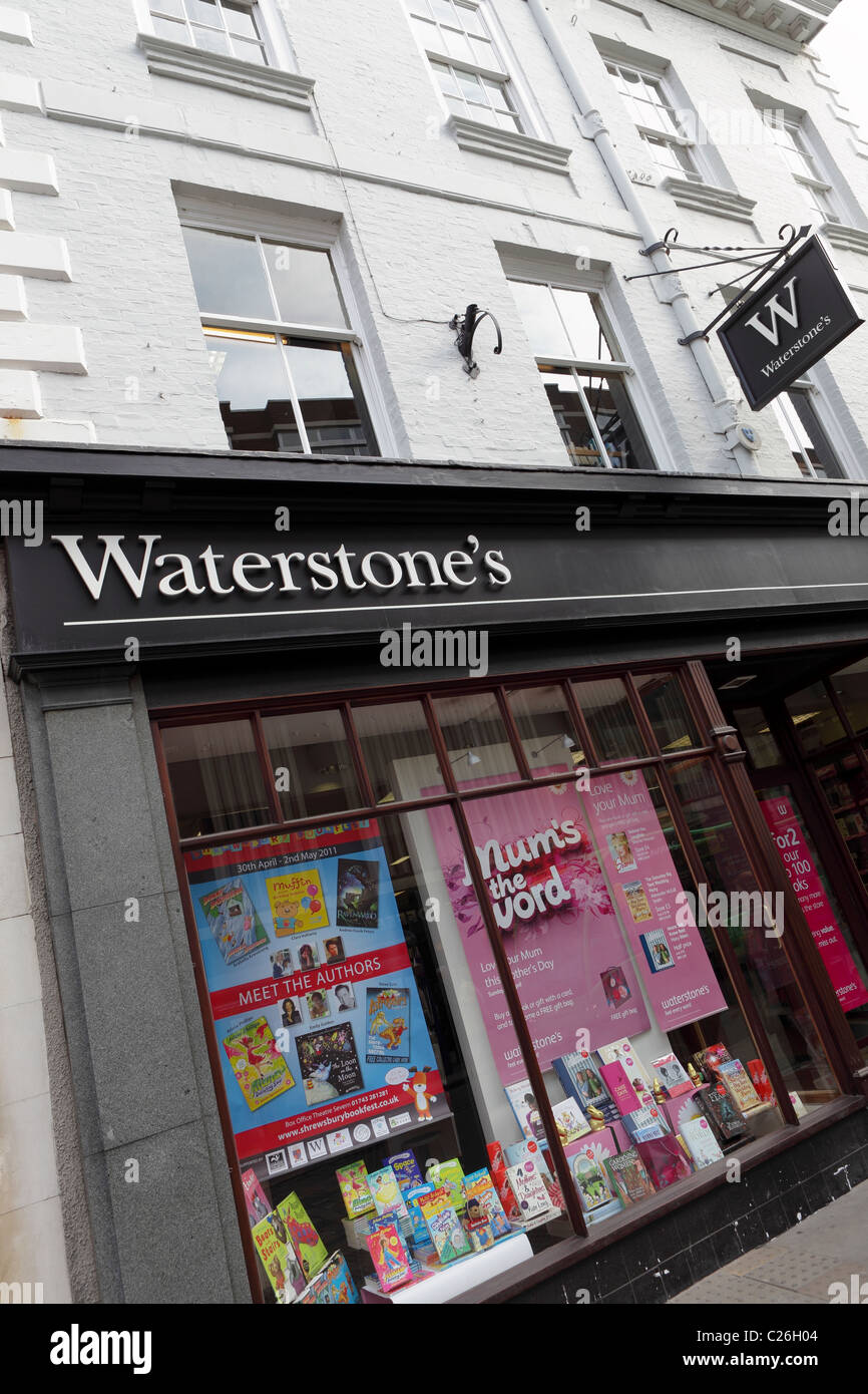Angled view of Waterstones the high street book sellers. - Stock Image
