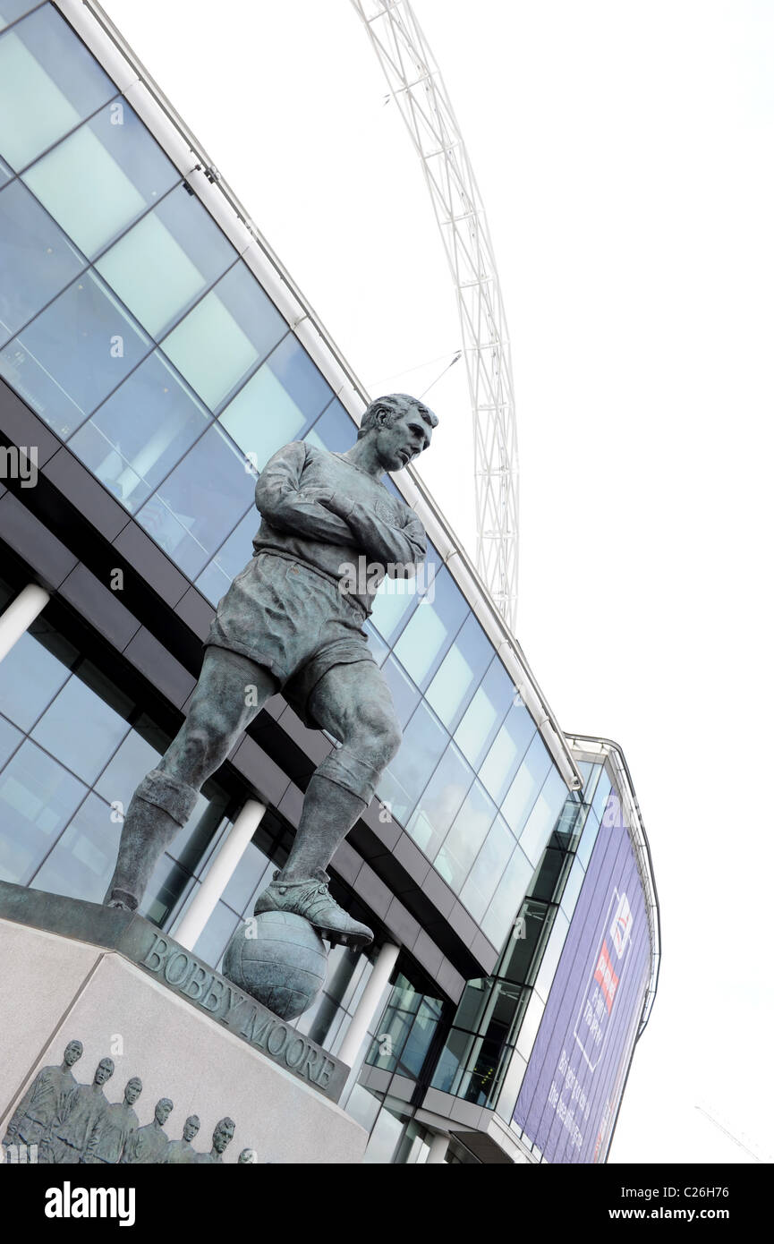 Bobby Moore statue outside Wembley Stadium - Stock Image