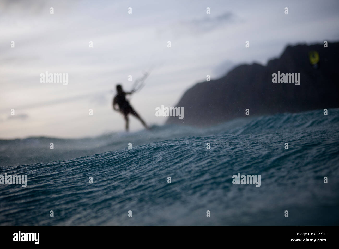 Kiteboarding Waimanalo @ Sunrise, male, David Giardini - Stock Image