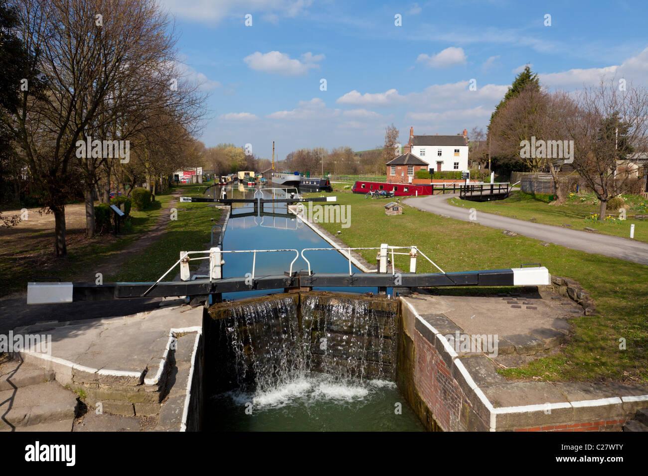 Lock gates on the Erewash canal near Langley Mill, Derbyshire, England, GB, UK, EU, Europe - Stock Image