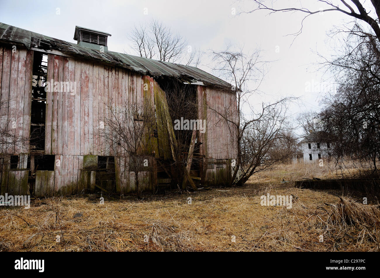 Decaying abandoned barn in Northern Illinois. - Stock Image