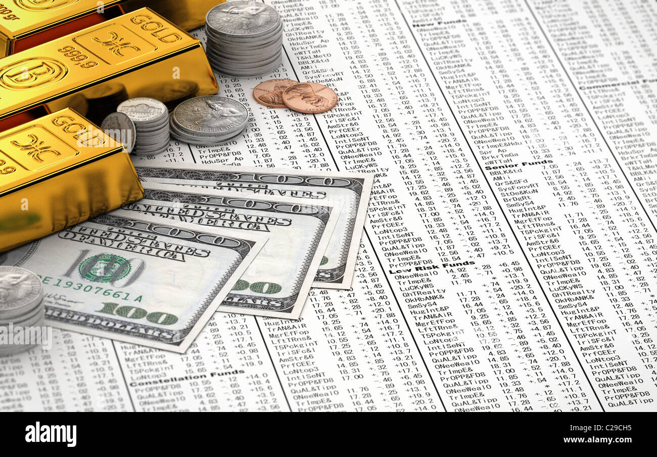 Gold bars and cash - Stock Image